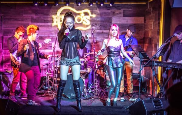Resident Band 'Vevo'